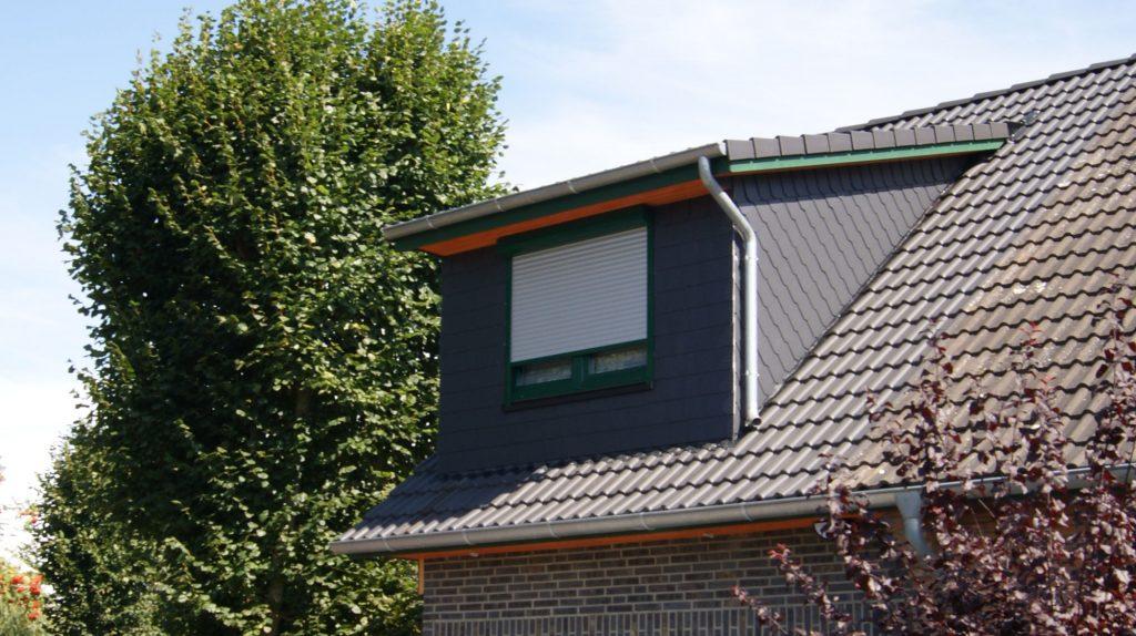 Wohnhauserweiterung  über der Garage inkl. Gaube und Betondachziegeln, Innenausbau von A bis Z