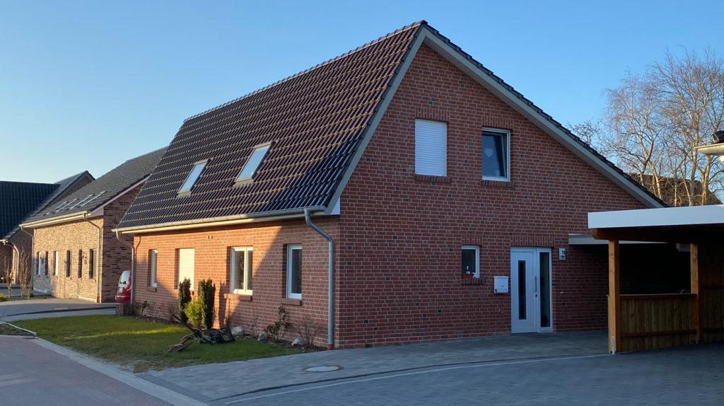 Zweifamilienhaus in Holzrahmenbauweise mit Verblendmauerwerk