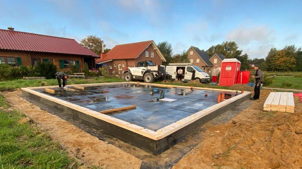 Schlüsselfertiges Bauen in Holzrahmenbauweise  Schritt 1: Anlegen der Aussenwände